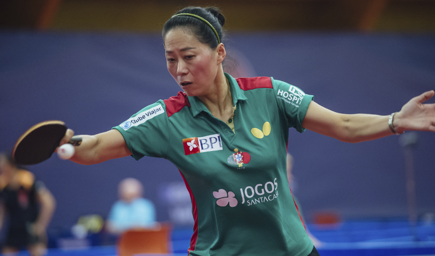 Fu Yu e Marcos Freitas nos oitavos de final do Open da República Checa