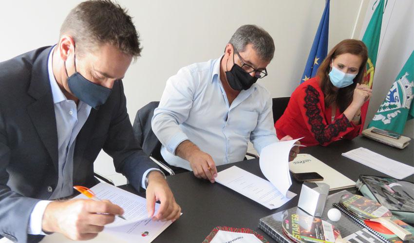 Assinatura de protocolo entre FPTM e Cinfães