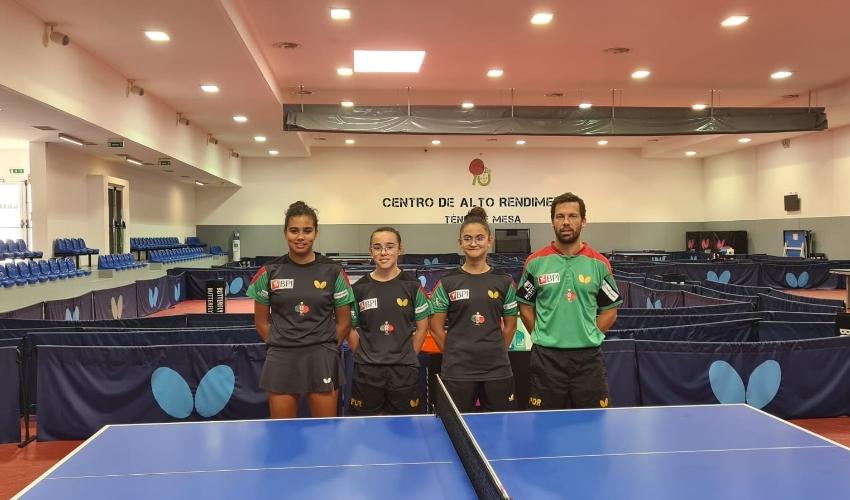 Equipa feminina nos quartos de final do Europeu de jovens
